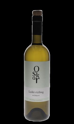 Belo vino Laški rizling, štajerska Slovenija. Vinska fontana Vodole–posestvo Sončni raj